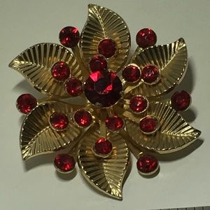Vintage Coro Stunning Ruby colored Floral Brooch